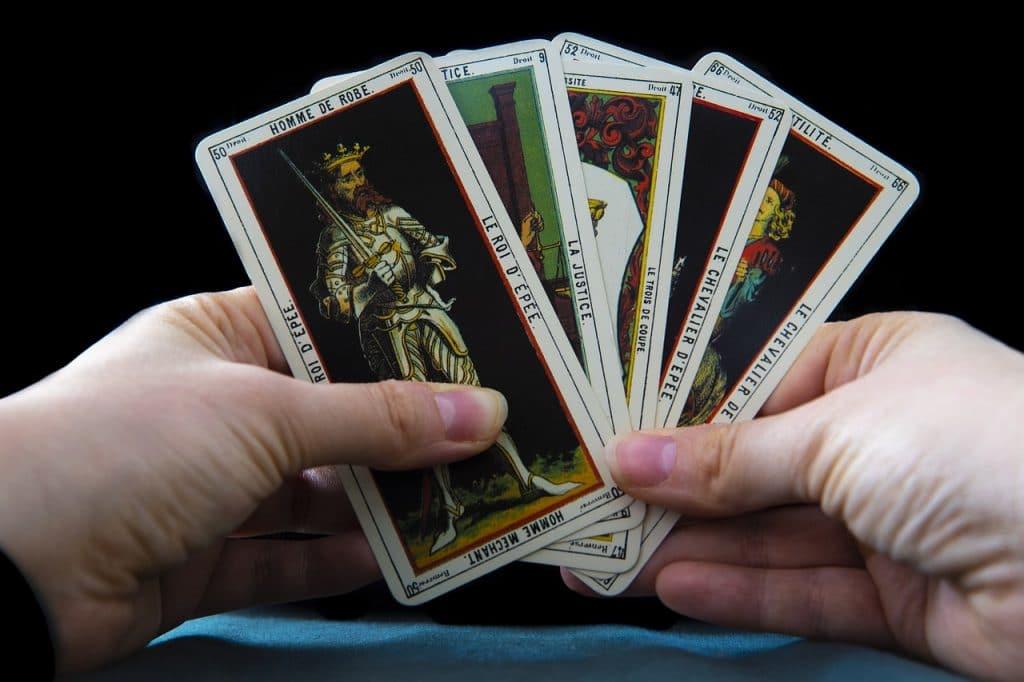 Tirer les cartes de tarot